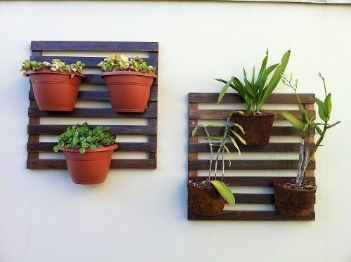 deck jardim vertical:Deck de madeira para jardim vertical para flores