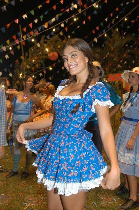 festa-junina-vestido-curto-azul