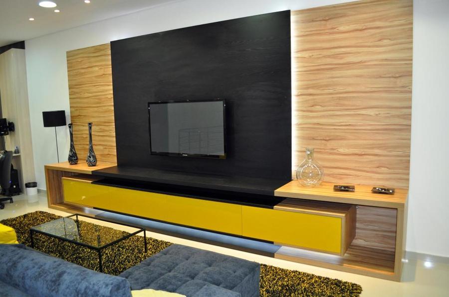 Móveis planejados para sala de tv com bom gosto confira as ...