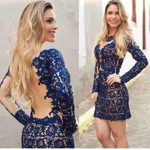 vestido-azul-com-tule-de-renda-manga-longa