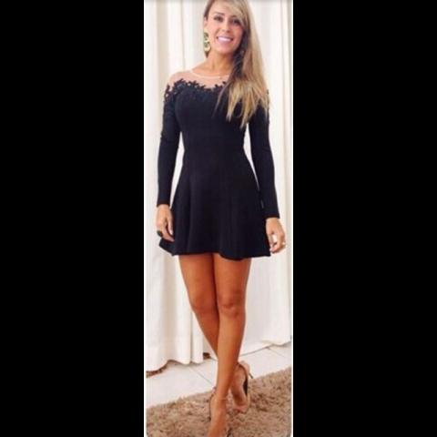 vestido-curto-preto-manga-longa-com-tule