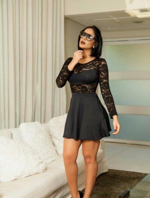 vestido-preto-de-renda-e-manga-longa