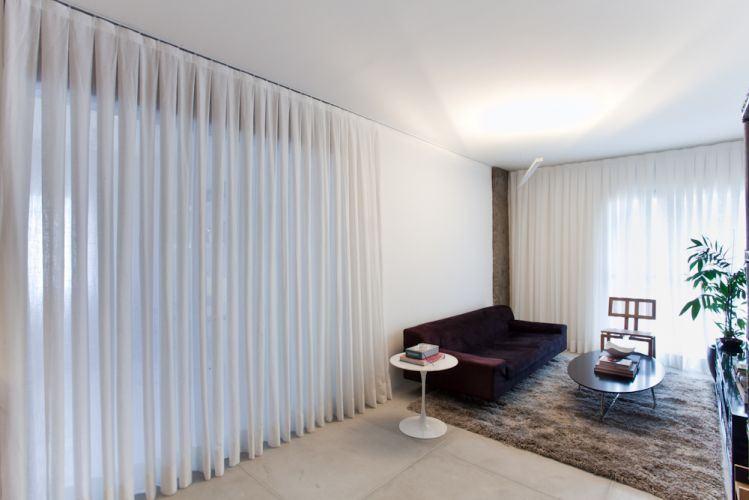 Cortina para sala de estar moderna id ias for Sala de estar hundida