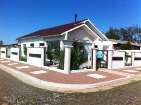 Fachadas de casas de esquina modelos arquitetonicos mais for Modelos de frentes para casas