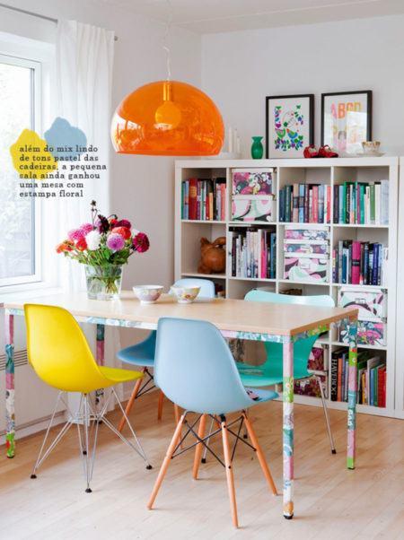 modelos-de-mesa-de-jantar-com-cadeira-colorida