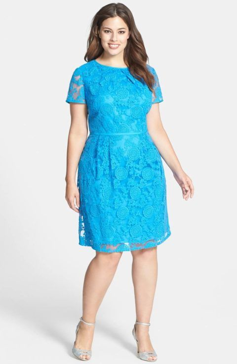 Dicas para escolher um vestido de noiva para mulheres maduras, jovens senhoras ou senhoras com mais idade: A cor pode ser outra além do branco total White, o nude, o pérola, o marfim, o bege e outras cores clarinhas, como cinza azulado e o pêssego, que podem ser consideradas como apropriadas.