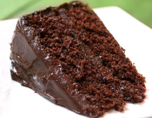 Receita de Bolo de Chocolate Fácil rápida